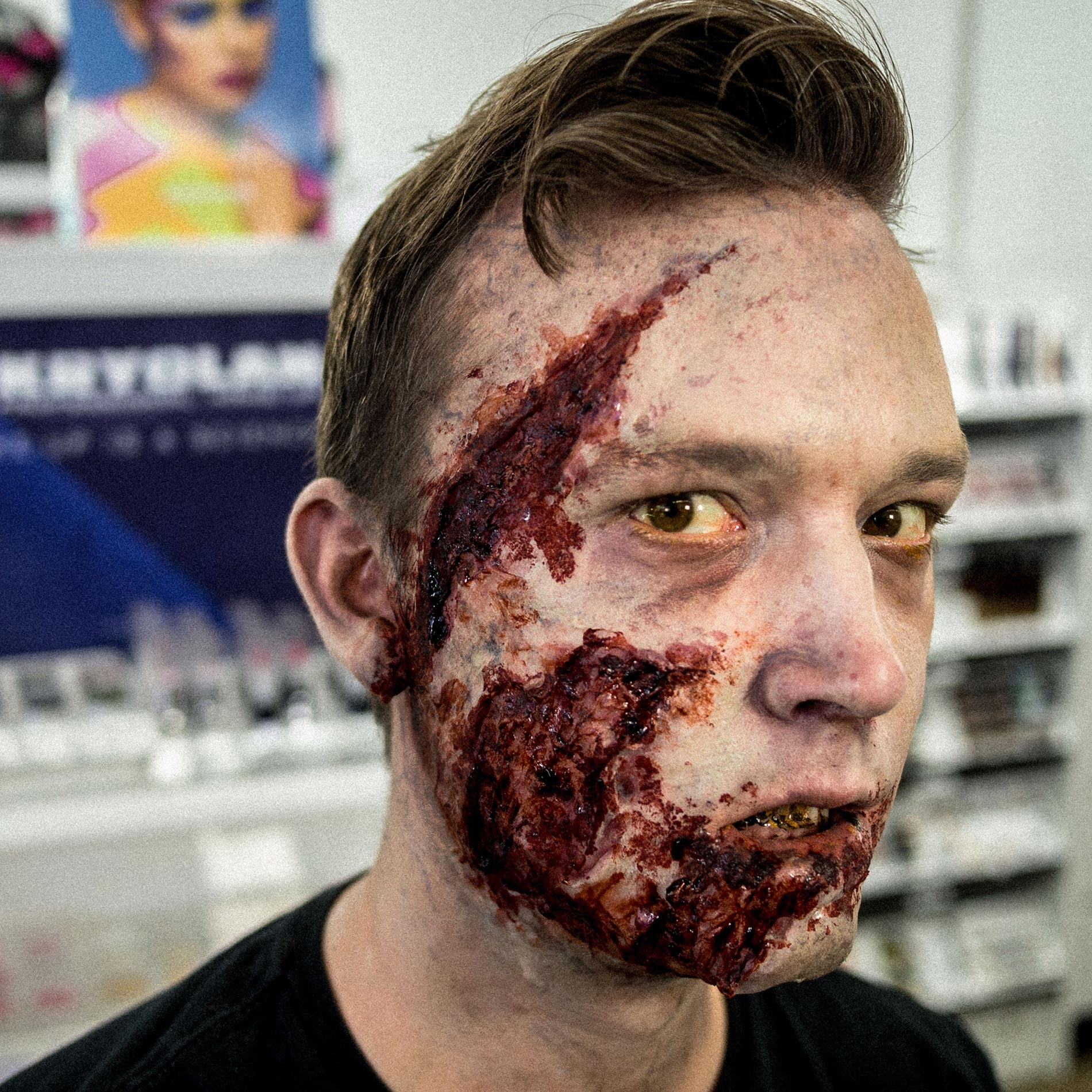 Halloween Makeup Live: Zombie Makeup with Kryolan