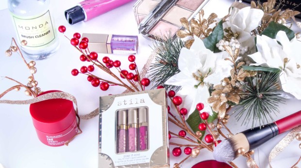 Choose the Perfect Gift with these 10 Holiday Makeup Sets
